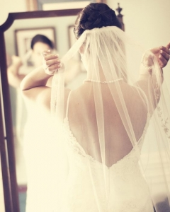 Bride_mirror_photo_03