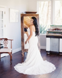 Bride_mirror_photo_07