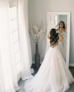 Bride_mirror_photo_08