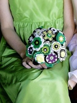 buket-nevesti-cveti-iz-fetra-0021