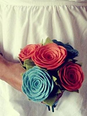 buket-nevesti-cveti-iz-fetra-0028