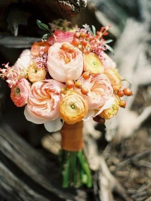 buket-nevesti-persikovii-rozovii-11