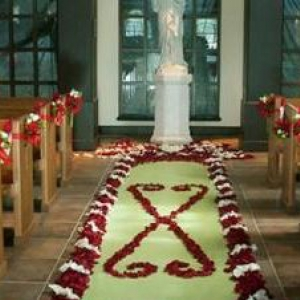 red-and-green-diy-winter-wedding-ideas-2011-1