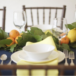 lemon-leaf-centerpiece-long-table