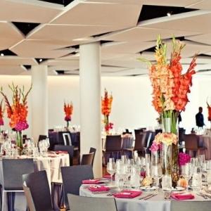gladiolusy-v-svadebnoj-floristike-13