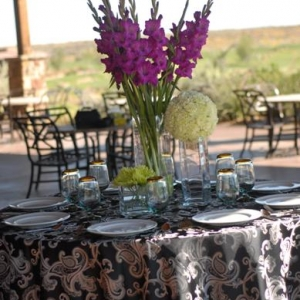 gladiolusy-v-svadebnoj-floristike-23