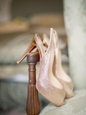 gold_bridal_shoes_33