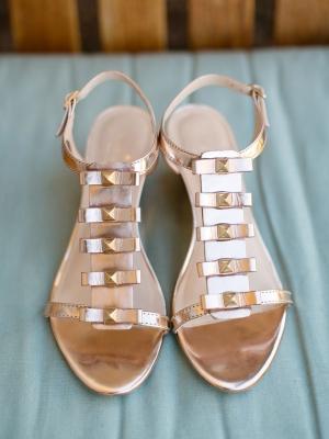 gold_bridal_shoes_40