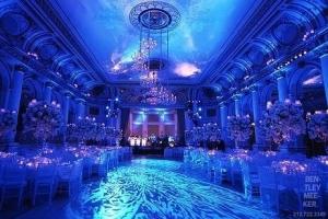 hudozhestvennyj-svet-v-oformlenii-svadby-5