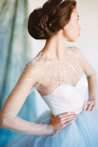 illusion_neckline_bride_09