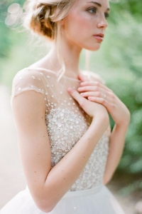 illusion_neckline_bride_10