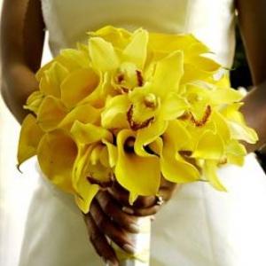 125434-yellow-wedding-flowers-2