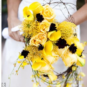 eva-longoria-wedding-bouquet