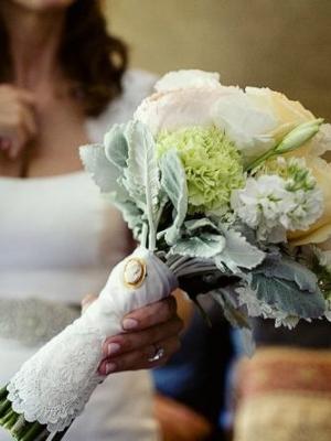 svadebnii-buket-nevesti-s-kameei-0013