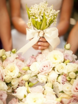 svadebnii-buket-nevesti-s-kameei-0022