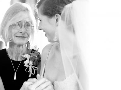 mother-daughter-julian-wedding