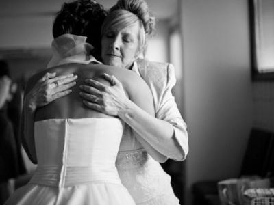 mother_with_bride_dixie_pixel