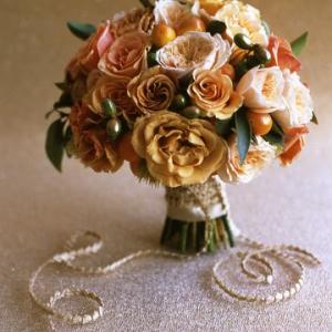 osennaya-svadba-buket-nevesti-11