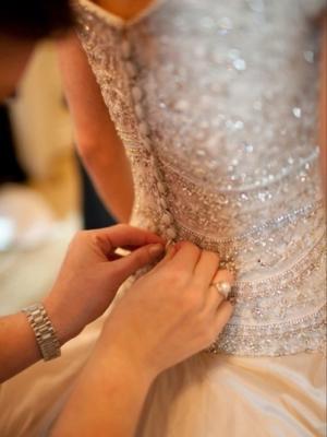 pajetki-i-blestki-v-oformlenii-svadby-11