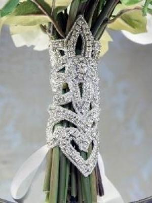 pajetki-i-blestki-v-oformlenii-svadby-21