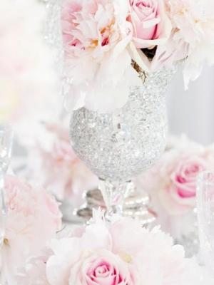 pajetki-i-blestki-v-oformlenii-svadby-28
