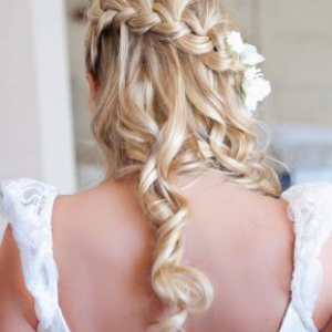 half-up-wedding-hair