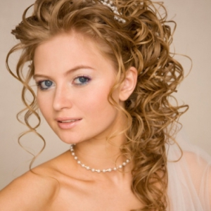 wedding-hairstyles-up-make-you-appear-confident-2