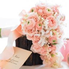 pink-ranunculus-bouquet