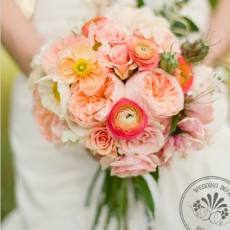 ranunculus_rose_wedding_bouquet