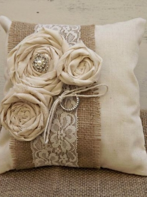 ring_pillow_23