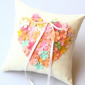 ring_pillow_17