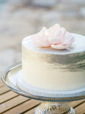 small_wedding_cake_10