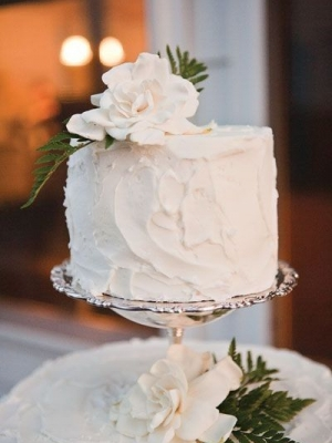 small_wedding_cake_11