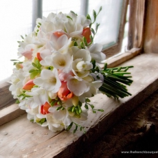 coral-and-white-bouquet