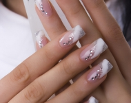 french-manicure-with-rhinestones-diy