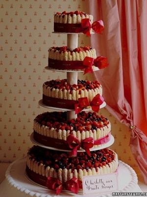 svadebniy-tort-s-yagodami-0023
