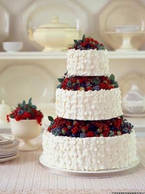 svadebniy-tort-s-yagodami-0027
