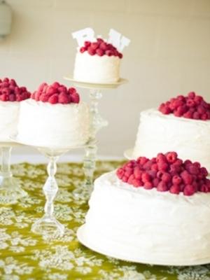 svadebniy-tort-s-yagodami-0041