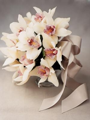 svadebnyj-buket-iz-orhidej-2