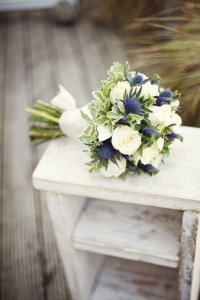thisle_wedding_bouquet_03