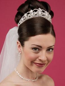 pearl-wedding-tiaras