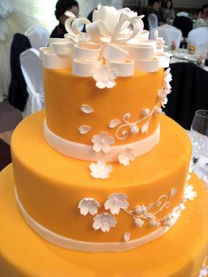 svadebnii-tort-oranjevii-33