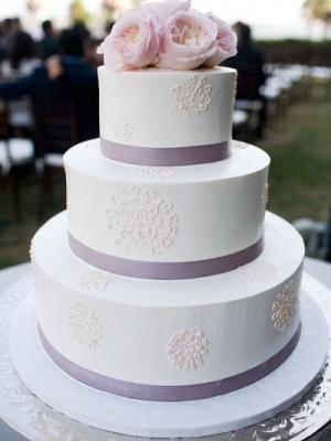 svadebnii-tort-sirenevii-fioletovii-09