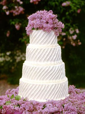 svadebnii-tort-sirenevii-fioletovii-12