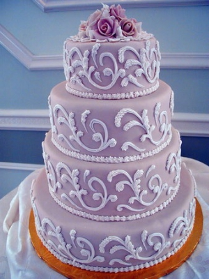 svadebnii-tort-sirenevii-fioletovii-15