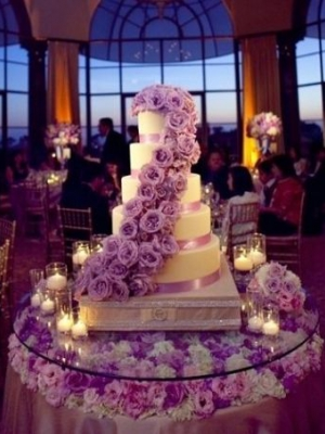 svadebnii-tort-sirenevii-fioletovii-30