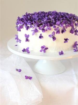 svadebnii-tort-sirenevii-fioletovii-38