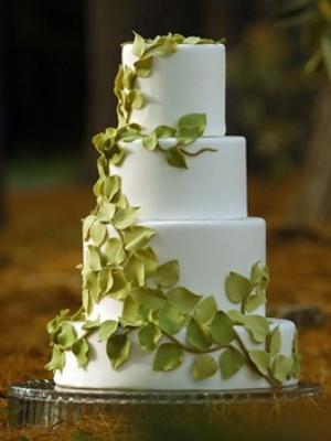 svadebnie-torti-v-zelenom-cvete-15