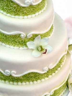 svadebnie-torti-v-zelenom-cvete-27