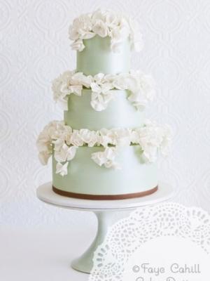 svadebnie-torti-v-zelenom-cvete-41